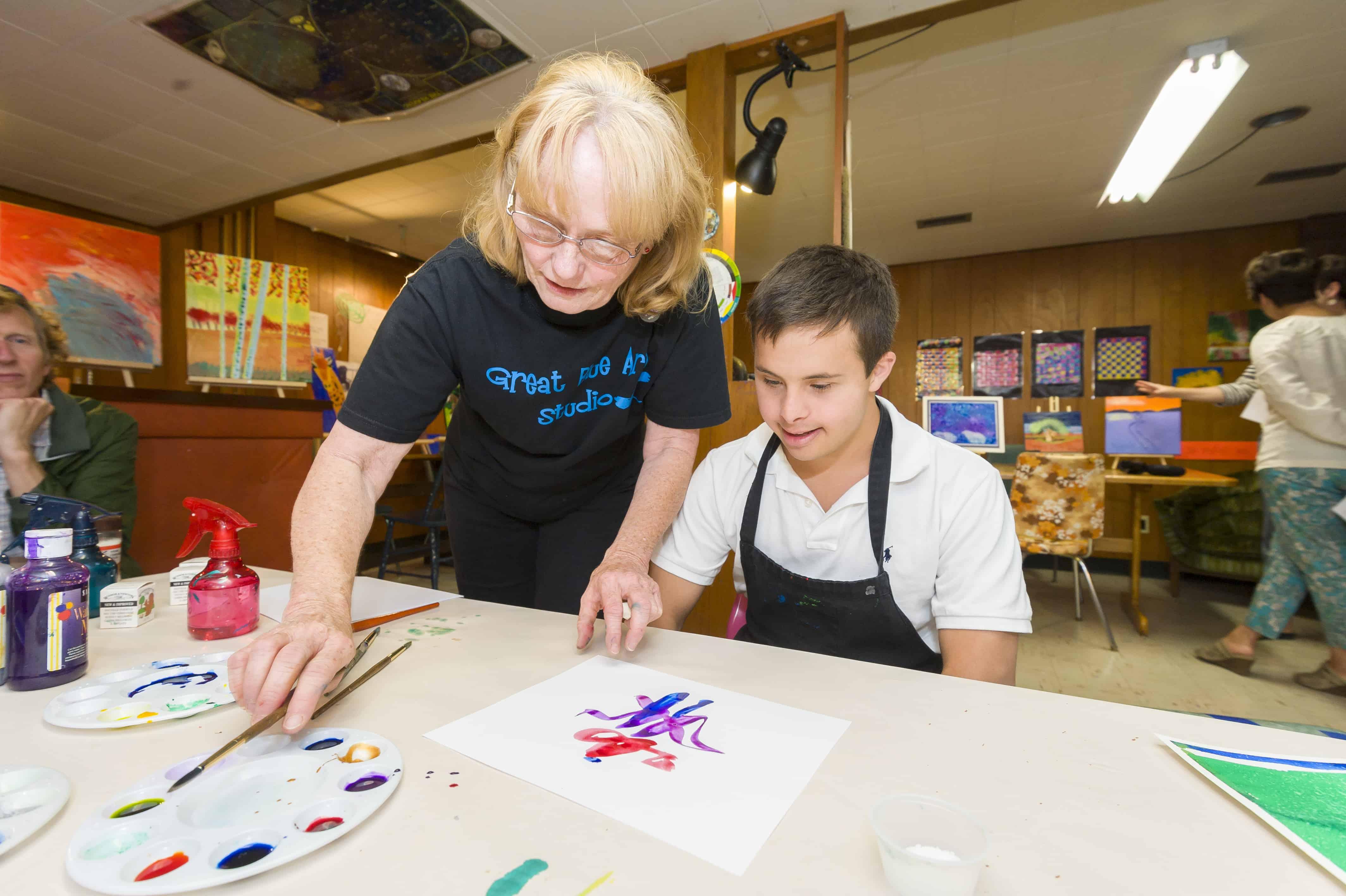 United Way Winnipeg agency Inclusion Winnipeg Art Among Friends program